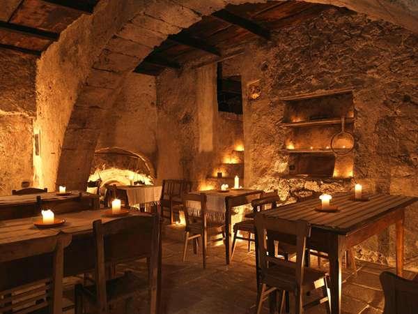 Отель в средневековой итальянской деревне