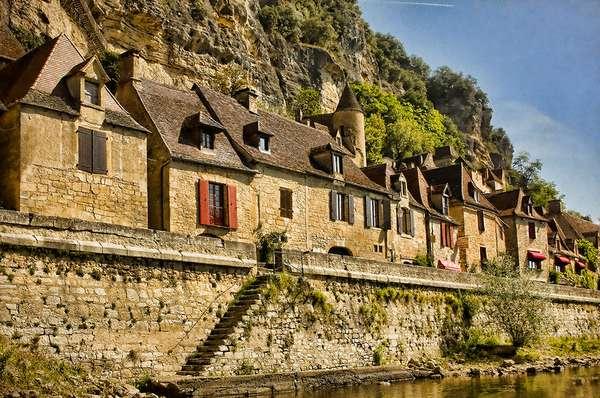 живописная деревня во франции