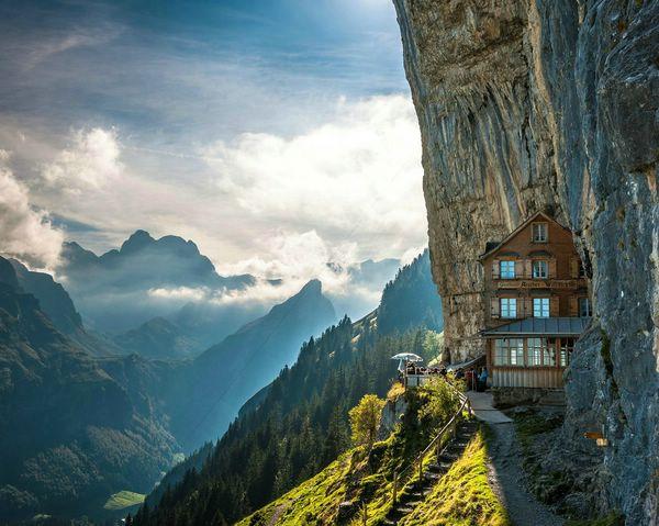 отель в швейцарских альпах фото