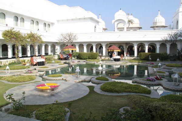 дворец на озере пичола индия