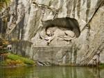 Памятник умирающему льву в швейцарском городе Люцерне
