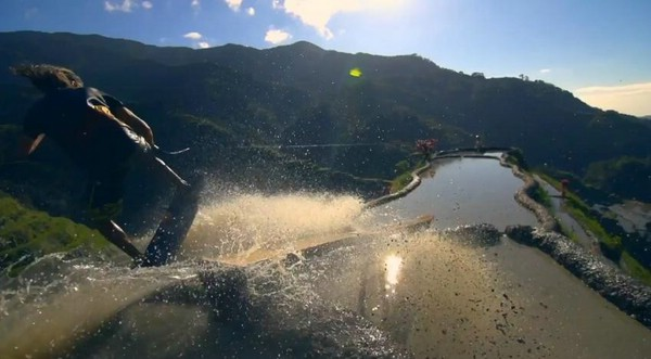 Вейкскейтинг на рисовых террасах Банауэ