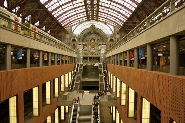 железнодорожный вокзал бельгия достопримечательности