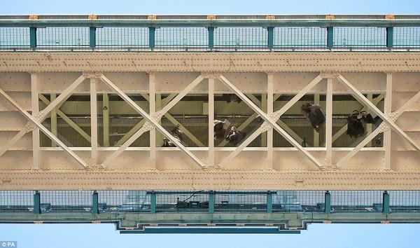 стеклянный пол тауэрский мост