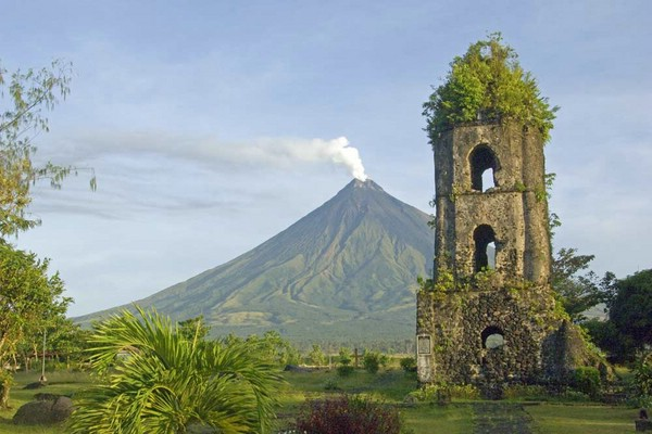 действующий вулкан фото