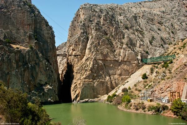 опасная горная дорога в испании