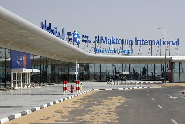 Аэропорт al maktoum дубай вилла на лазурном берегу