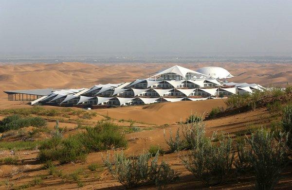 отель в пустыне китай
