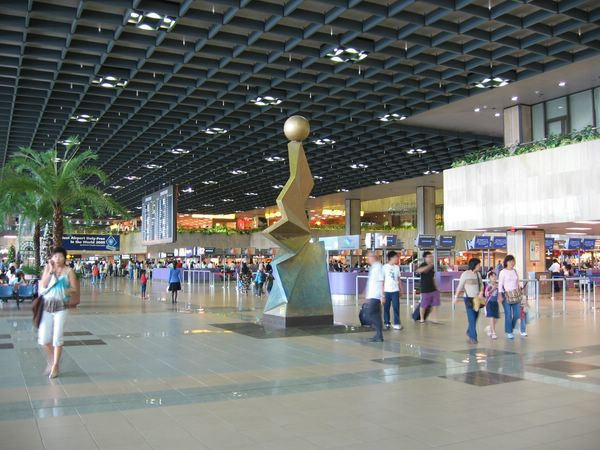 главный аэропорт сингапура