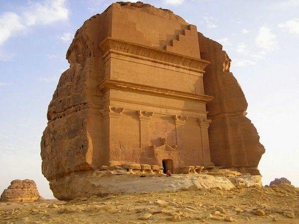 Одинокий замок Каср аль-Фарид, Саудовская Аравия