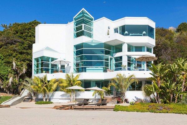 красивый дом на берегу фото