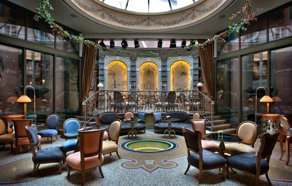 пятизвездочный отель Chateau Monfort Милан
