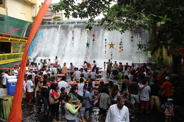 ресторан у водопада филиппины