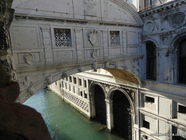 Мост Понте дей Соспири Венеция