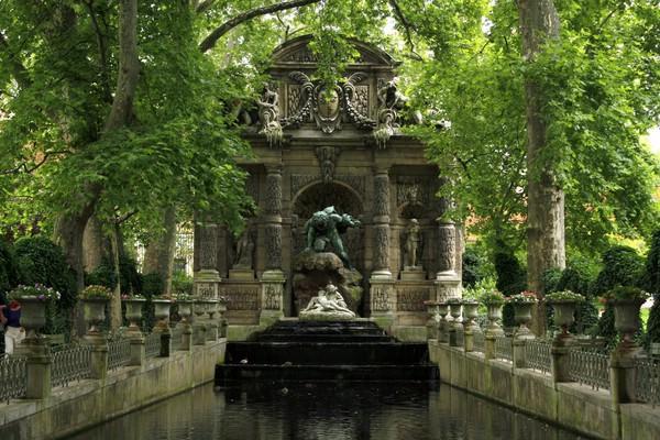 Фонтан Медичи, Париж