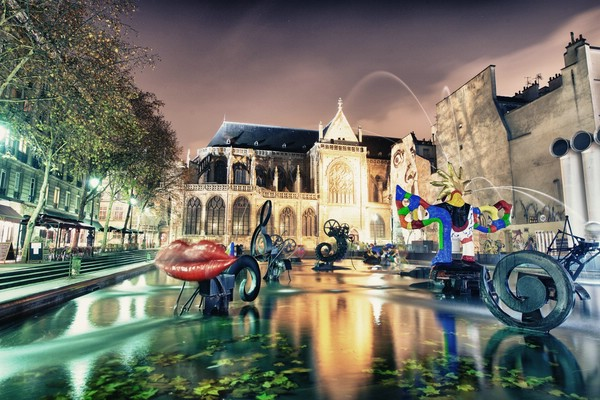 фонтан на площади стравинского париж