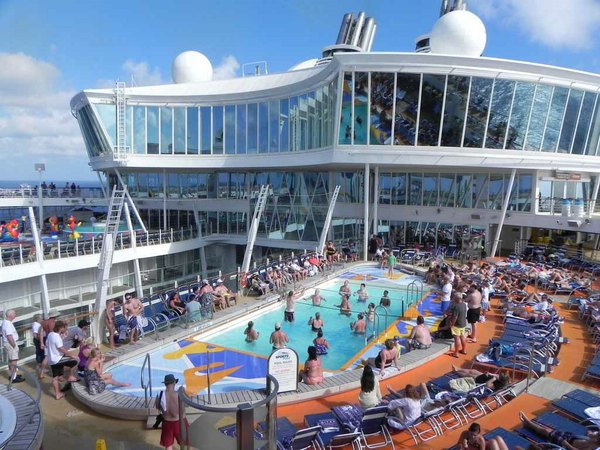 Круизный лайнер Allure of the Seas