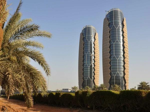 башни-близнецы Аль Бахар в оаэ