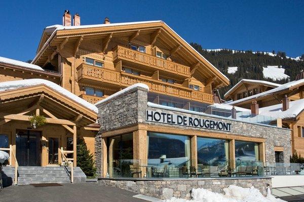Стильный альпийский отель Hotel de Rougemont в Швейцарии