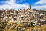 Древний пещерный город Матера в Италии