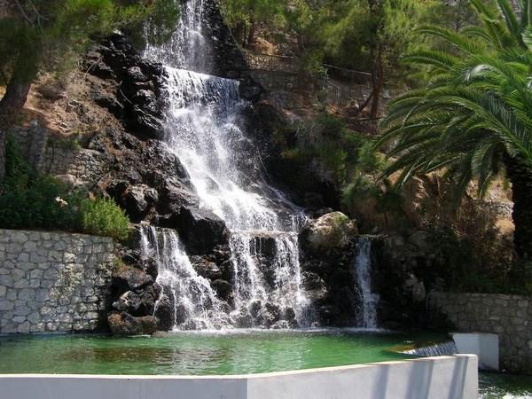 Термальные источники греческого курорта Лутраки