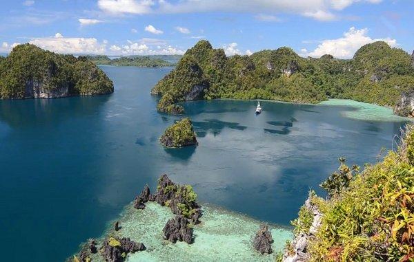 Живописные острова Раджа Ампат в Индонезии