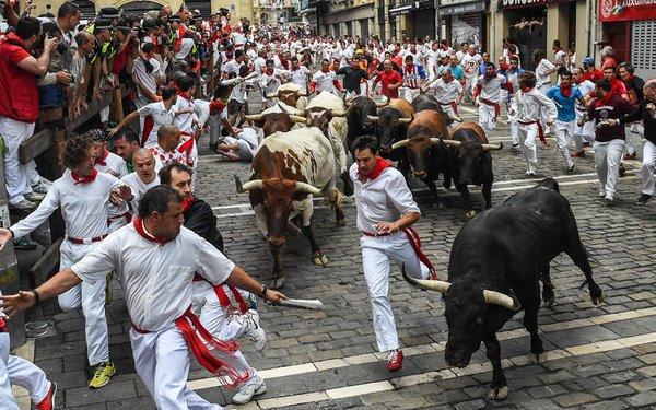 забег с быками испания