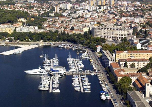 Пула— древний город-курорт на полуострове Истрия, Хорватия