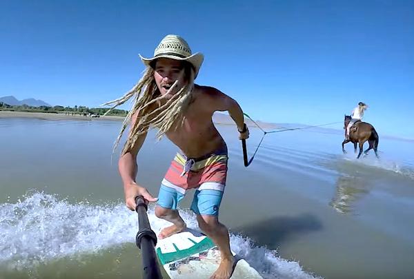 Конный сёрфинг в исполнении Остина Кина