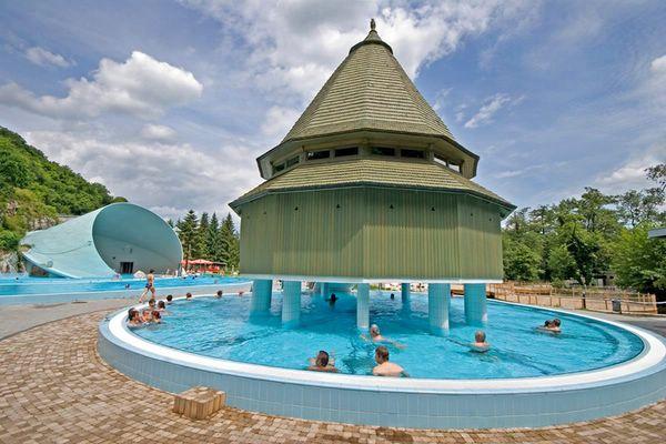 Мишкольц-Тапольца Венгрия