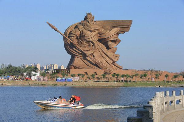статуя Гуань Юй в провинции Хубэй