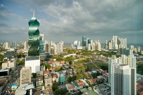 спиральный небоскреб в панама-сити