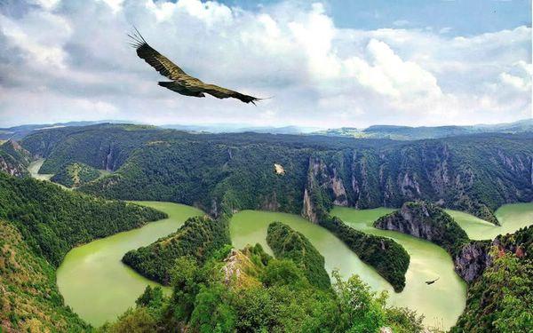 Живописный каньон реки Увац, Сербия