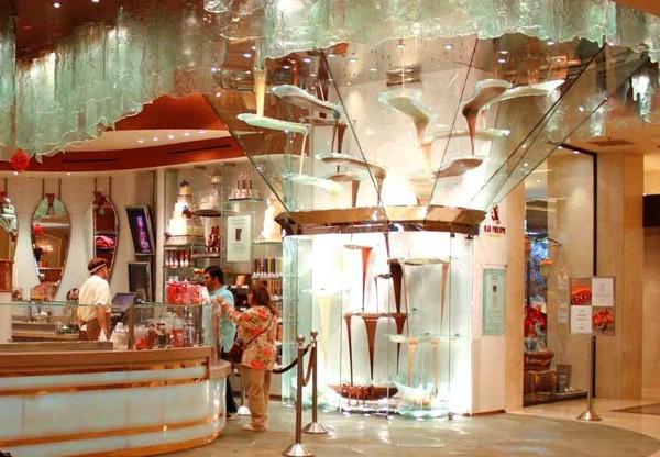 Фонтан Bellagio— самый большой в мире шоколадный фонтан