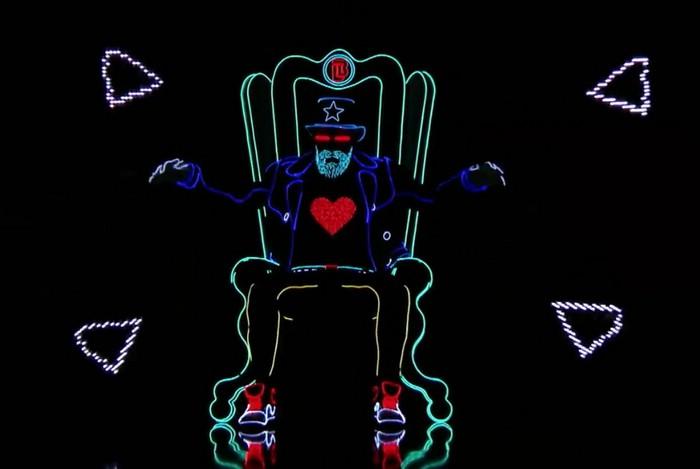 танец в светодиодных костюмах  Light Balance